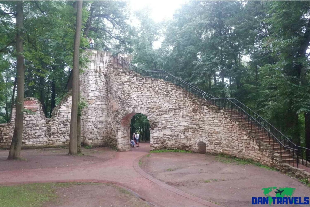 Day 2: The Ruined Tower of Tsaritsyno | Dantravels.org