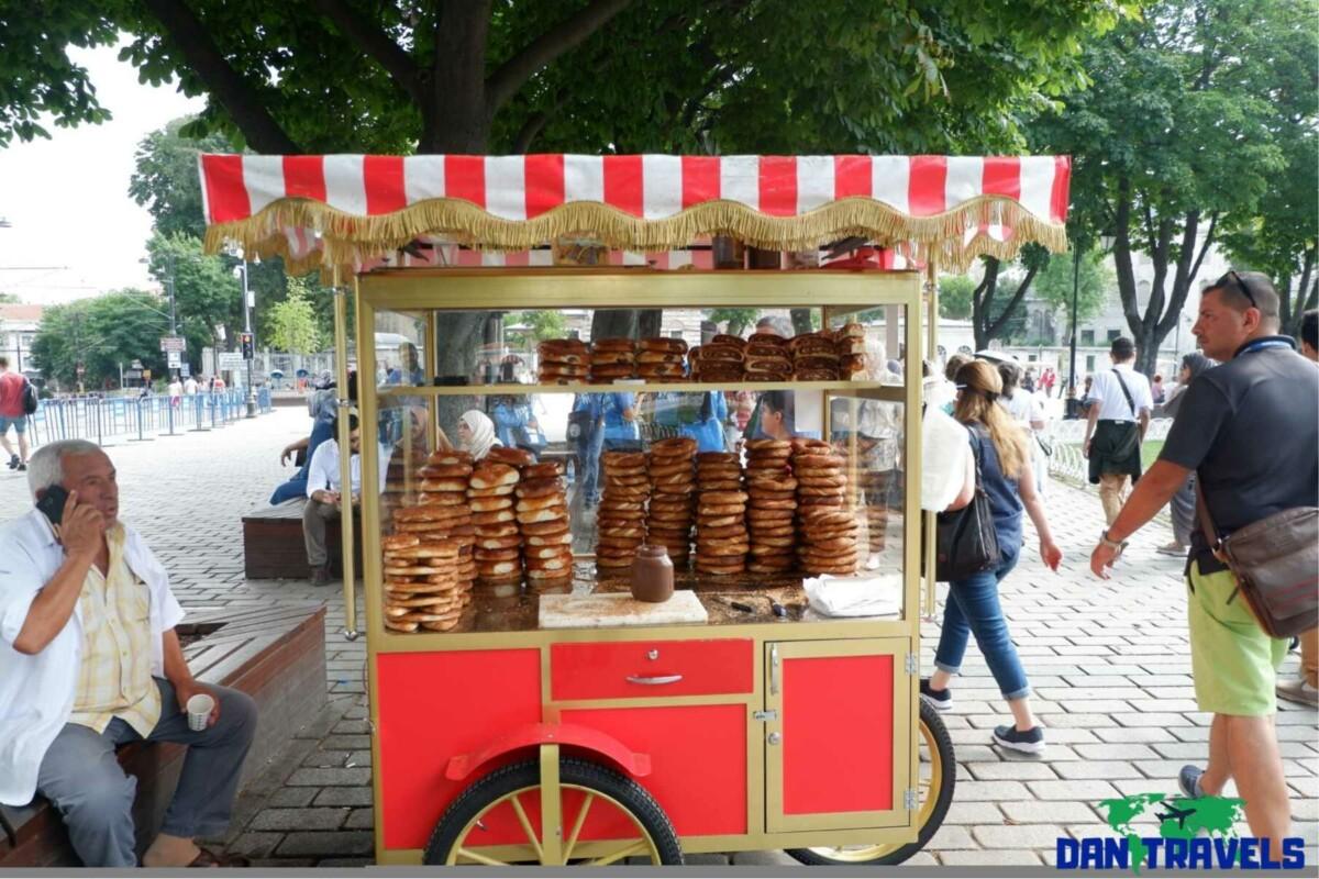 Cart selling Simit Turkey itinerary