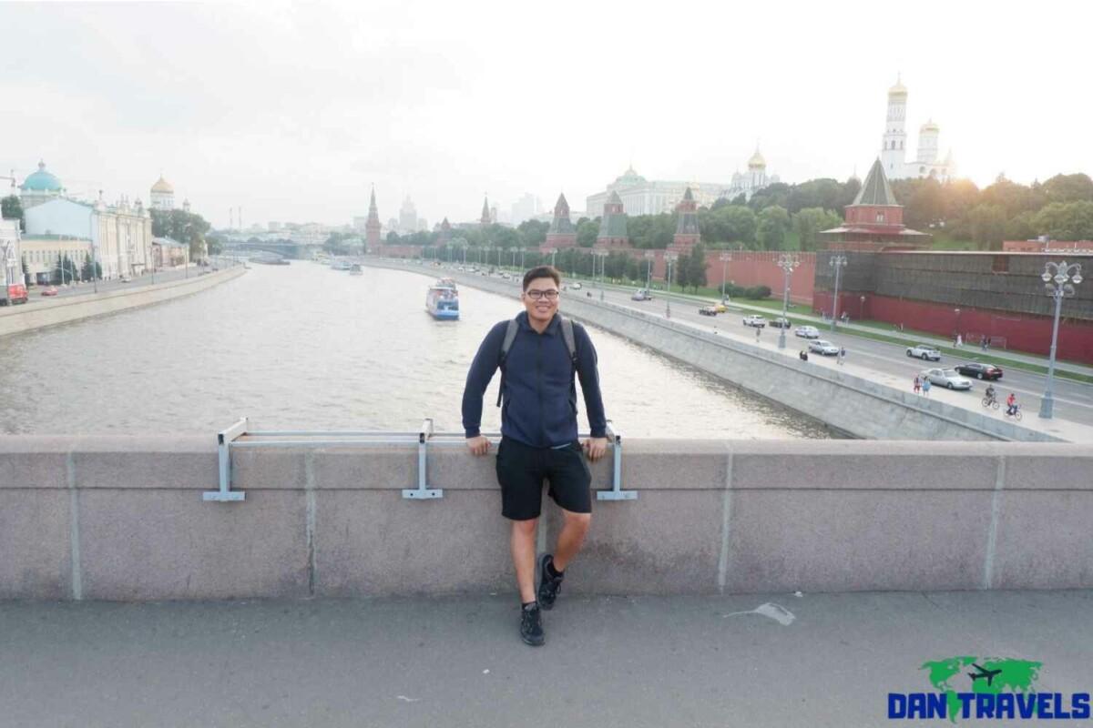 Day 1: Moscow river behind me at the Bolshoy Moskvoretsky Bridge | Dantravels.org
