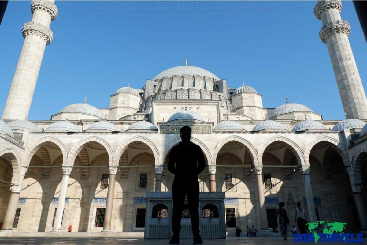 Yeni Cami Sultanahmet Mosque Turkey Itinerary