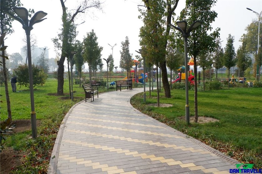 Komsomol Park or sometimes called Youth Park in Dushanbe