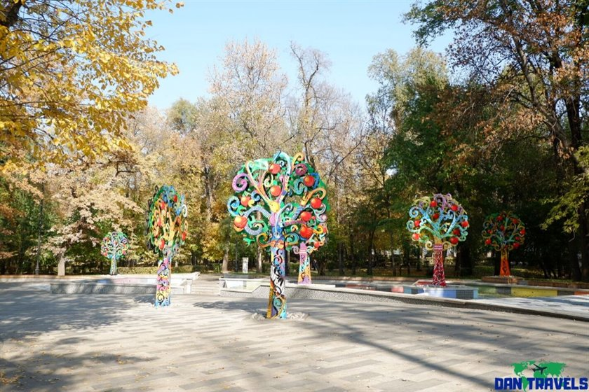 Somewhere at Almaty Central park | Dantravels.org