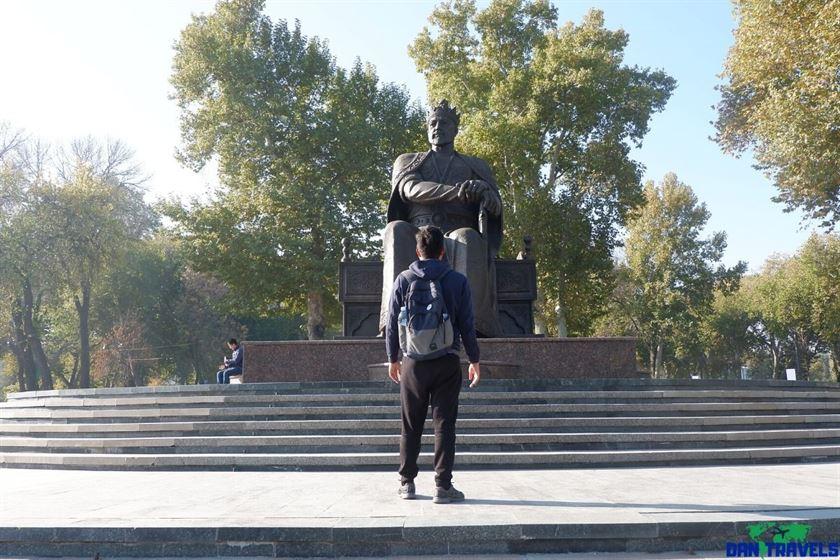 Amir Timur Statue (Samarkand)
