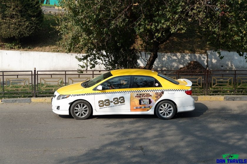 The 33-33 taxi in Dushanbe