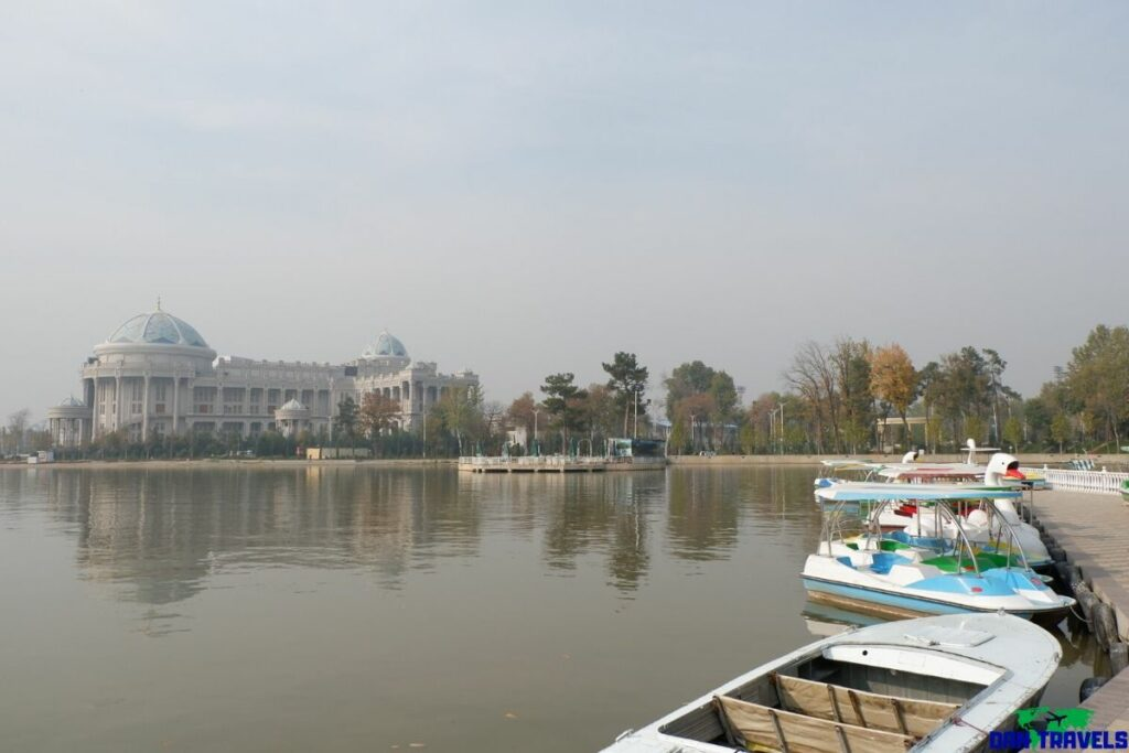 Komsomol Lake and Park (Dushanbe)