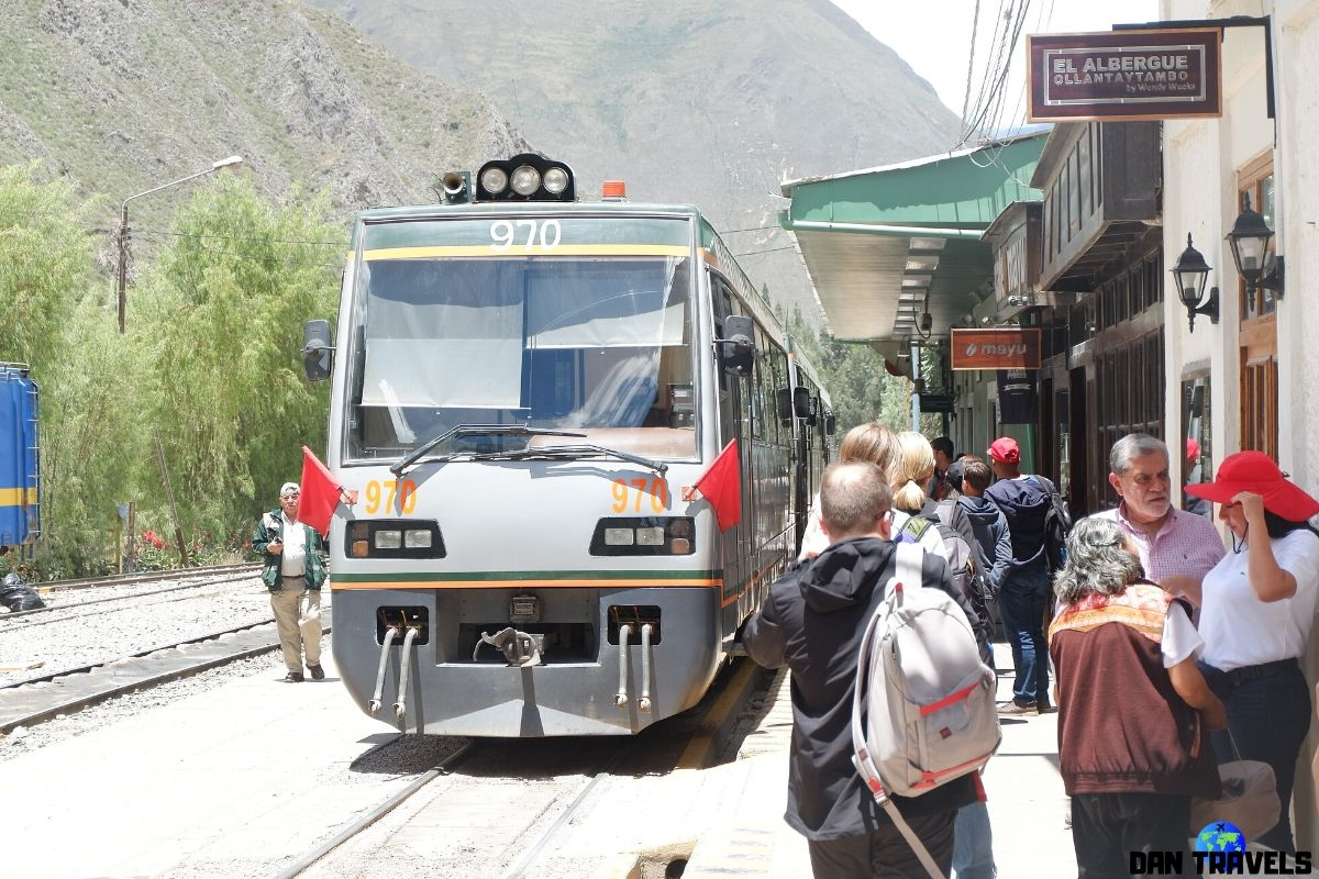 Day 4: Voyager train from Ollantaybo to Machu Picchu Pueblo